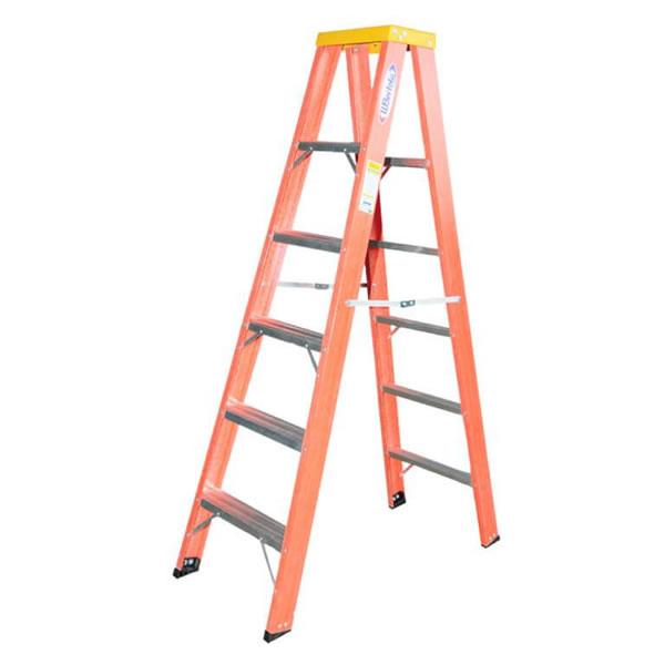 Escada em ''A'' de 2m – 2,60m